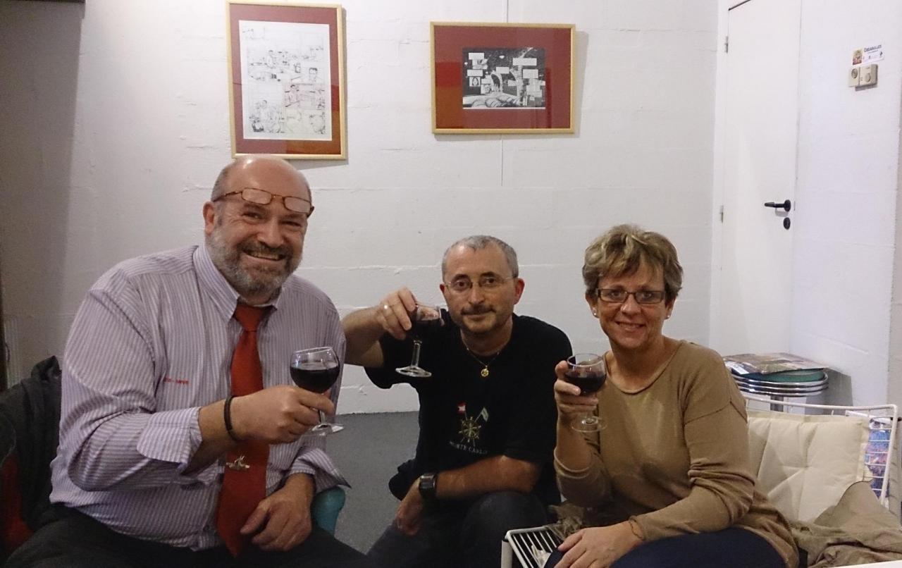 André, Juan et l' petite amie d'André
