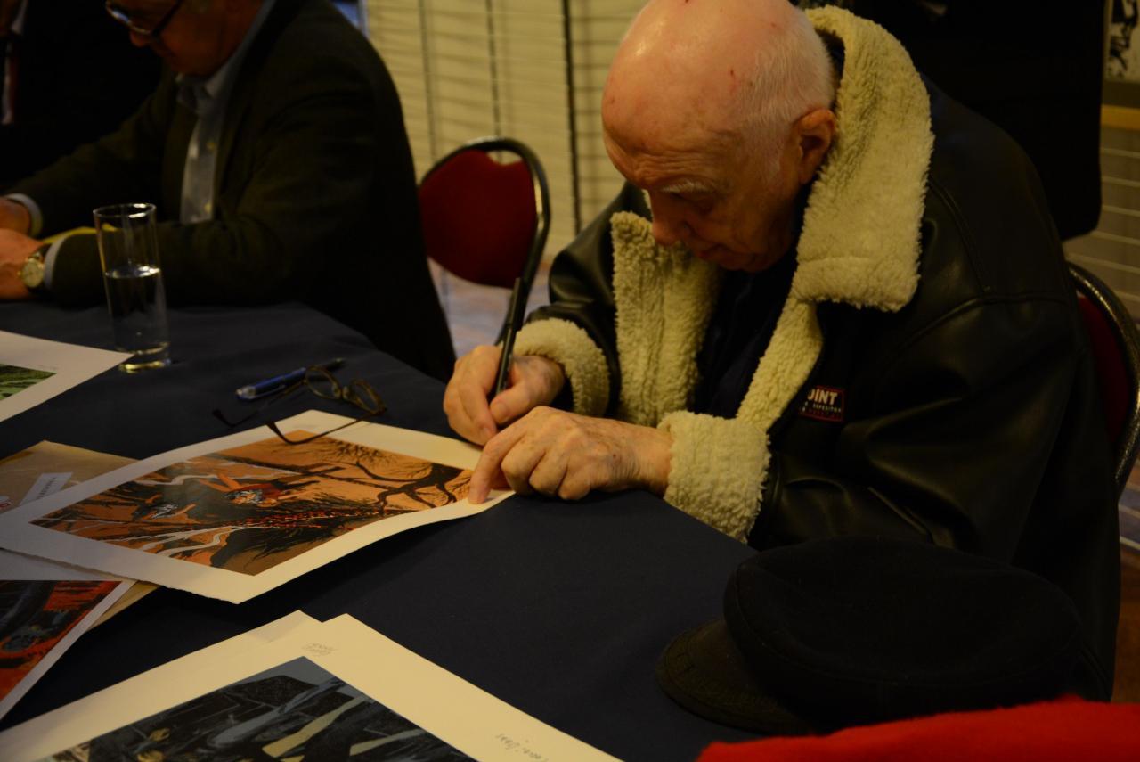 M Vernes signatures d'ex-libris pour l'inauguration