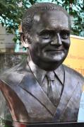 Goscinny buste